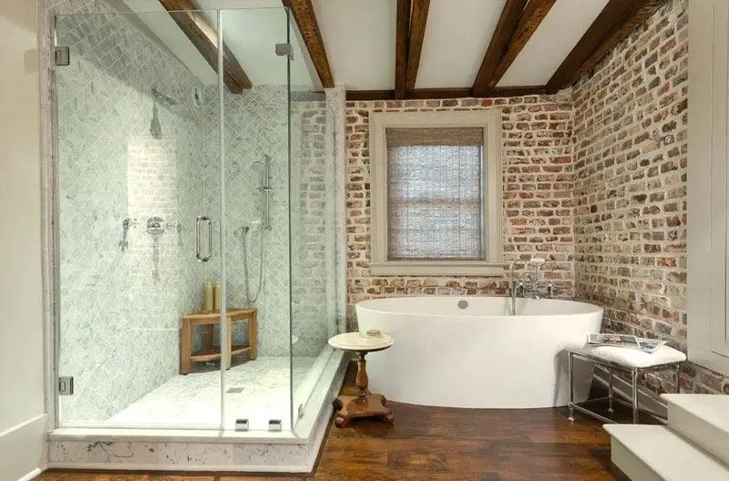 стенна декорация от тухли в баня