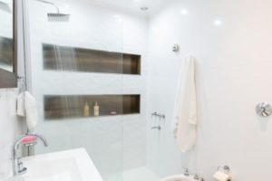 Избор на мебели за малка баня